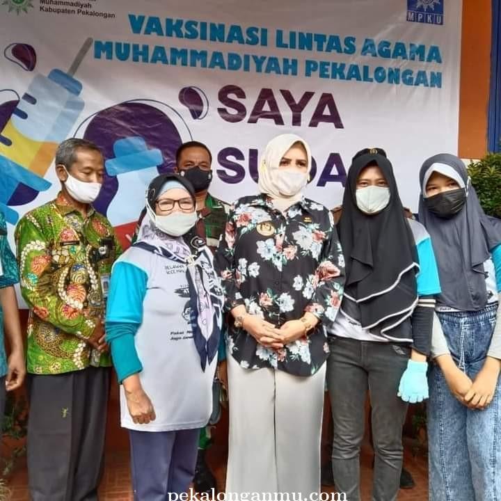 Bupati Pekalongan Pantau Vaksinasi di SMK Muhammadiyah Kedungwuni
