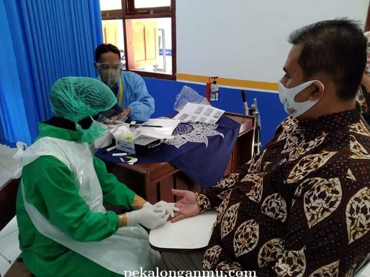 SMK Muhammadiyah Bligo Pekalongan Gelar Rapid Test untuk Guru dan Karyawan