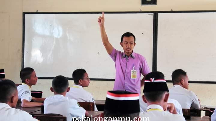 SMK Muhamka Salurkan 791 Subsidi Pulsa U,..