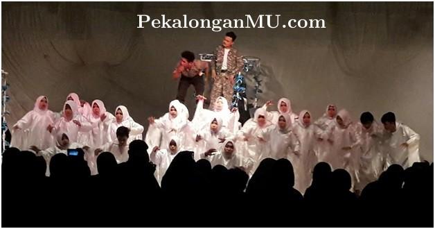 Sukses_Pentaskah_Dramatutgi,_Sastra_Indonesia_UMP_diminta_Tamil_di_Jogja.jpg