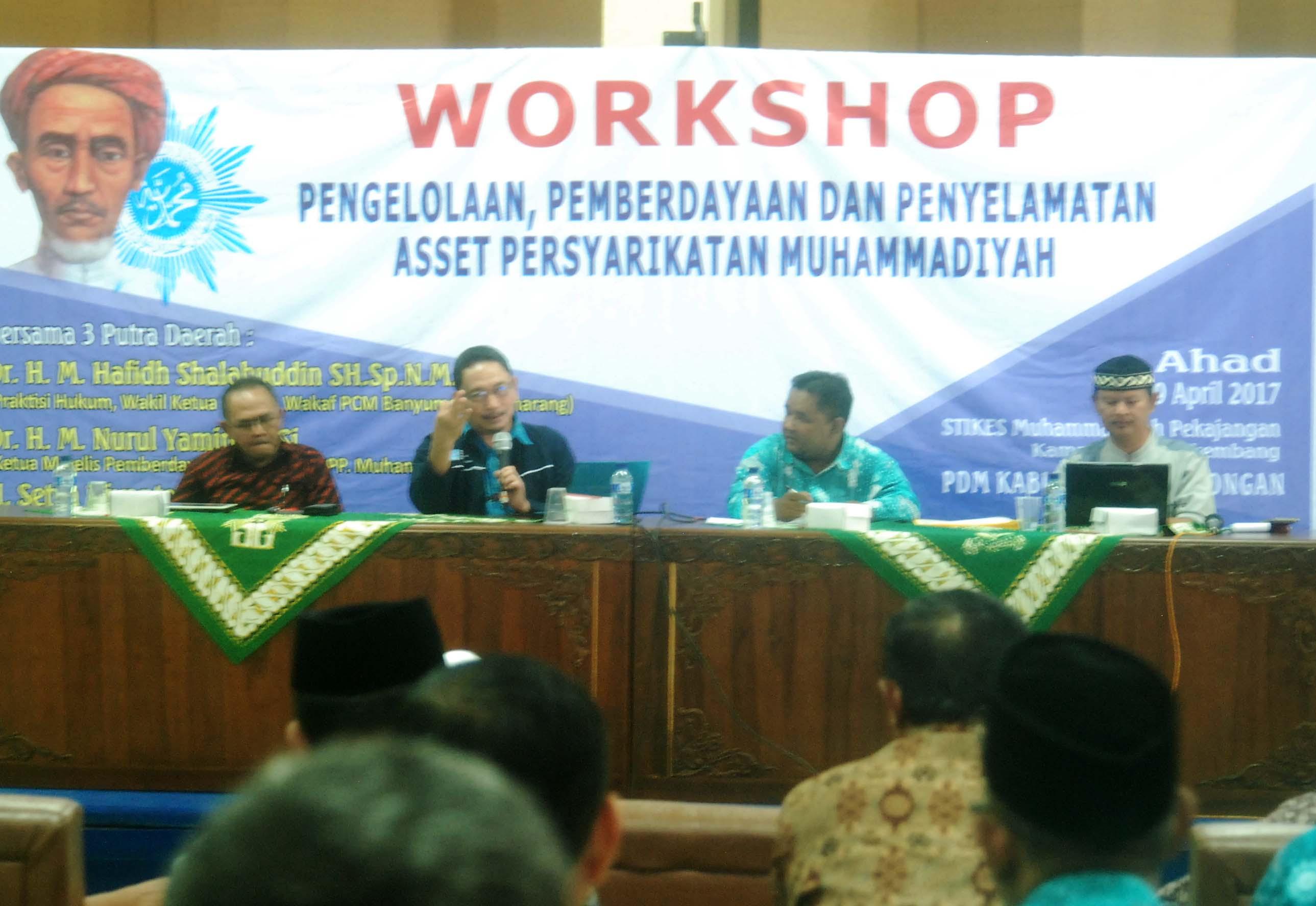 Suasana Workshop, Pemateri kedua, DR Nurul Yamin, M.Si, menyampaikan materi